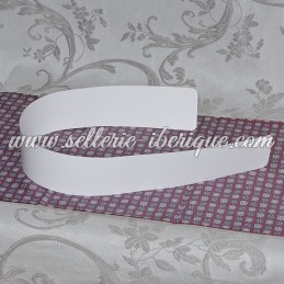 Plastic reinforcment for belt-scarf (fajin)