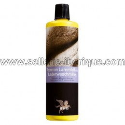 Sheepskin cleaner
