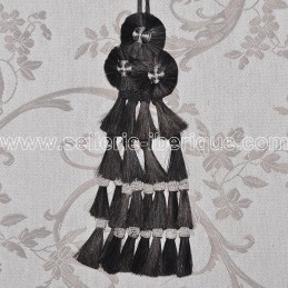 Horsehair mosquero - black with white pompoms