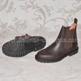 Leather boots with elastic...
