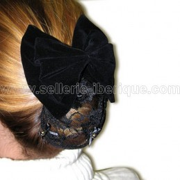 Barrette with hairnet