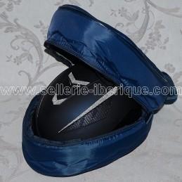Padded carrying bag for helmet
