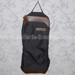 Padded carrying bag for bridle
