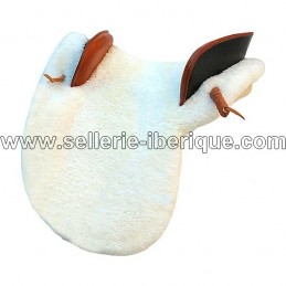 Natural sheepskin zalea for saddle Sabela Gomez